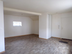 BUSSANG : EXTRA CENTRE ! APPARTEMENT DE TYPE F4 RENOVE EN 2007!