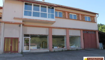 PROCHE CENTRE VILLE DE CORNIMONT IMMEUBLE DE 300 M2