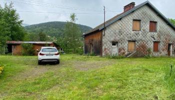 EXCLUSIF SAINT MAURICE SUR MOSELLE ! Bâtisse type ancienne ferme à réhabiliter sur +1ha de terrain