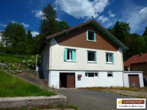 VENDUE !  LA BRESSE : Maison à rénover integralement, de type F5  avec garage double