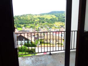 LA BRESSE, CENTRE, F1 avec chambre, balcon, parking couvert.
